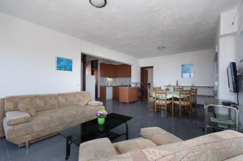 Appartements Apartmani  Tomo, Rab